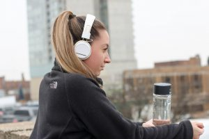 do you know? how listening music is help you to keep focusing