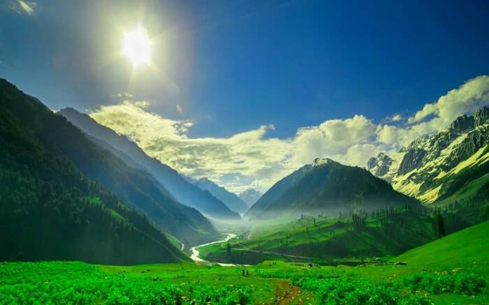 Explore Top 5 Places to visit in Srinagar-Paradise on Earth