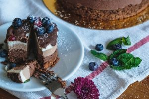 Know About the Benefits of Ordering Cake Online