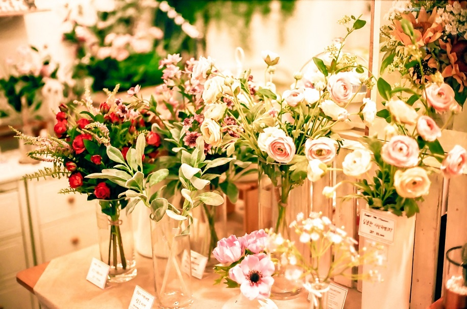 5 Marvelous Advantages of Having Flowers in Your Home