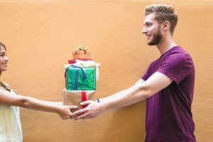 Wish to Buy a Special Gift for Your Boyfriend's Birthday - Know What He Would Love