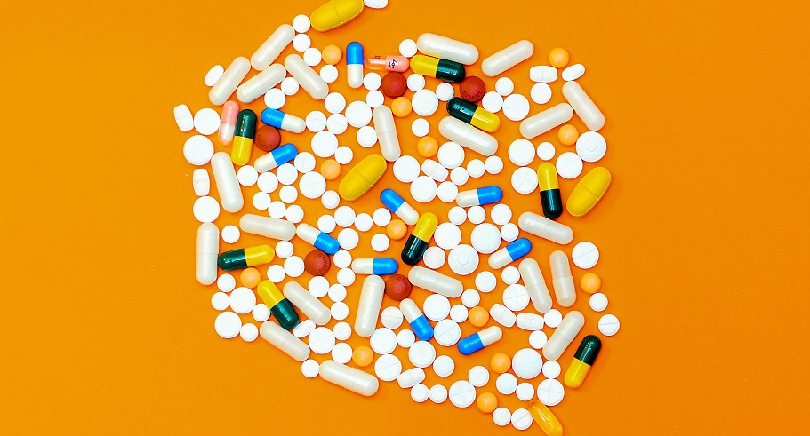 Descriptions of Hydrocodone and How it to Convert in Addiction