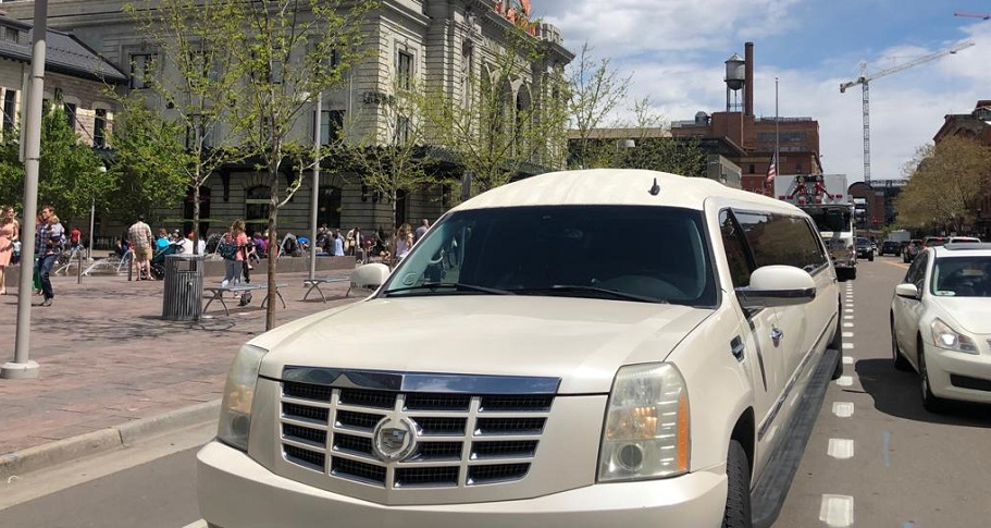 Times When Hiring A Limo Can Be The Solution To Your Problems