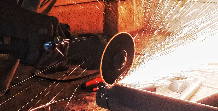 All About Angle Grinders, Uses, Types, And Buying Tips