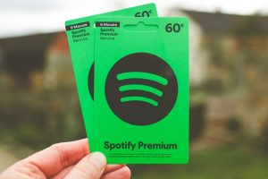 Spotify Premium APK v8.5.50.916 Download [100% Working]