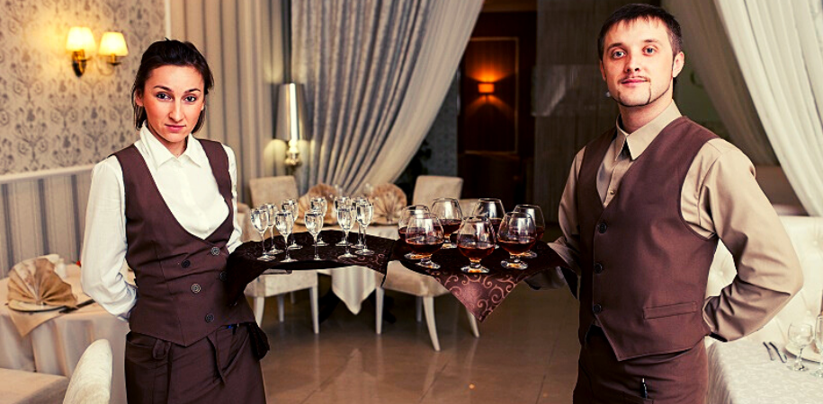 7 Reasons for having Hospitality Uniforms in Hotel Industry