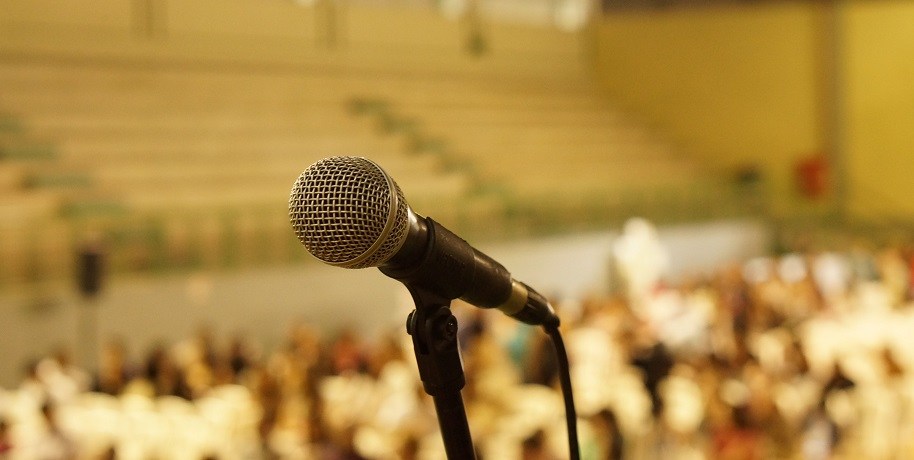 Do You Know How To Look Confident While Speaking In Public