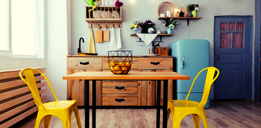 How To Choose The Ideal Wooden Dining Table Shape For Your Home