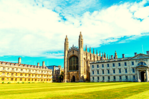 Importance of University Campus Tour in Choosing the Right College