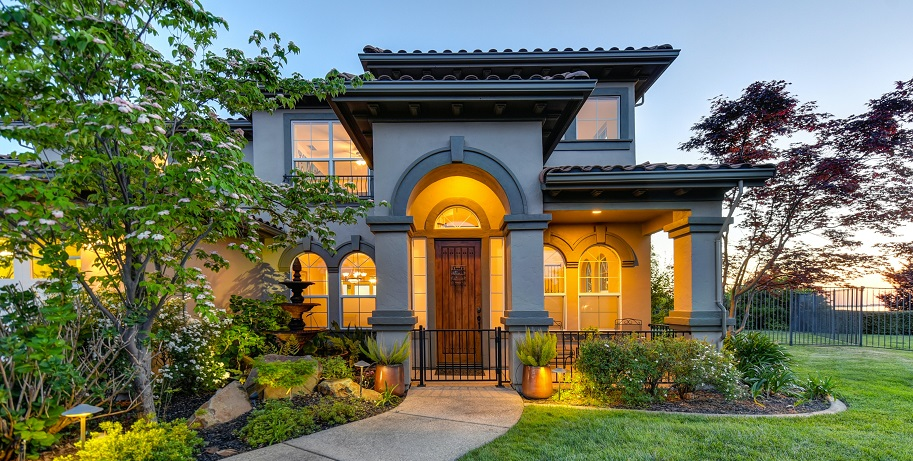 Adorn Your House with Experienced Restoration Contractors