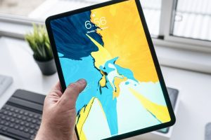 How Do I Pick a Service Centre for iPad Repair Near Me