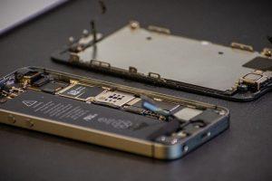 iPhone Repair in Mumbai Battery and Screen Replacement