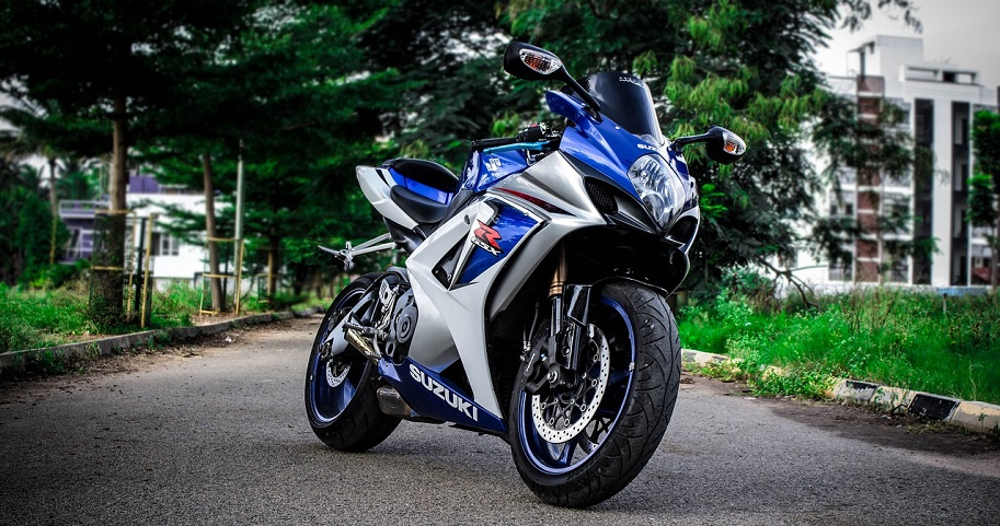 6 Latest Superbikes Features That Every Bike Lover Wants to Know