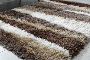 How to Decorate Floor With Shaggy Rugs