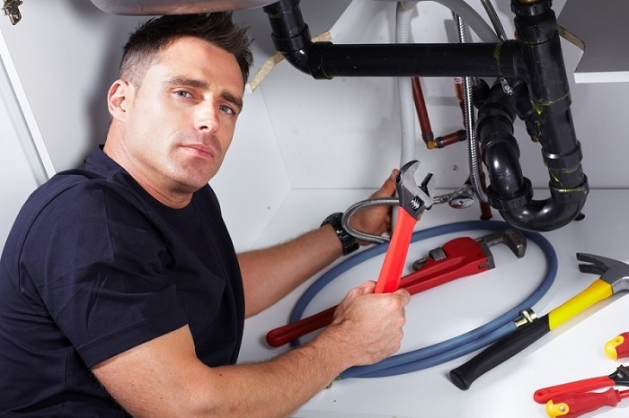 5-Benefits-of-the-professional-blocked-drain-plumber
