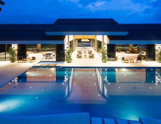 5 Best Pool Wall Lighting Options For You